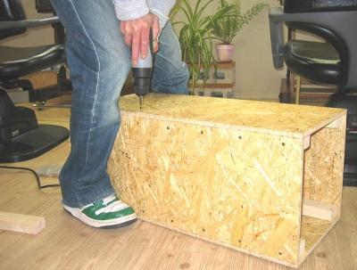 2009 3 4 2s 木工職人 日曜大工の道具もたくさんある