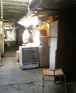 2013 4 22 6 246x300 昭和のお店がなくなってしまう・・・